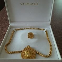 , Versace gold chain with Medusa medallion Versace gold Medusa head ring Versace J. , Versace gold chain with Medusa medallion Versace gold Medusa head ring Versace Jewelry. Cute Jewelry, Charm Jewelry, Gold Jewelry, Jewelry Accessories, Jewellery, Versace Gold, Versace Boots, Versace Perfume, Earrings