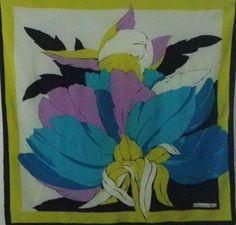 229 meilleures images du tableau foulard en soie   Feminine fashion ... efd0761ac50a