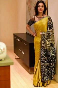 indian fashion Lehenga -- CLICK Visit link above for more options Simple Sarees, Trendy Sarees, Stylish Sarees, Sari Blouse Designs, Saree Blouse Patterns, Black Saree Designs, Modern Saree, Indian Fashion Trends, Saree Trends