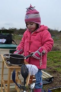 Come rain or shine, there's always fun to be had in a mud kitchen. Suits You, Cool Suits, Cute Pictures, Cool Photos, Interesting Photos, Mud Pie Kitchen, Everyday Dishes, Id Design, Mix Style