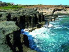 L'isola si caratterizza per la straordinaria singolarità del suo paesaggio