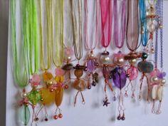 laCivettasulcomò:idee creative ,bigiotteria,moda ,riciclo.: bamboline colorate e riciclate.