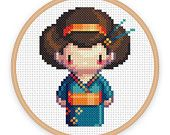 GEISHA chica IZUMI: un arte de píxeles contados archivo imprimible pdf de punto de cruz patrón - descargar-