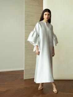 Abaya Fashion, Muslim Fashion, Modest Fashion, Couture Fashion, Fashion Dresses, Hijab Evening Dress, Evening Dresses, Elegant Dresses, Nice Dresses