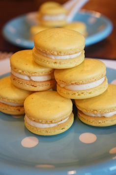 These passion fruit flavored macarons is something that I have been wanting to try for the longest time. What hindered the process ...