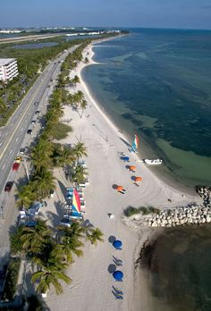 Things to do, places to go and places to hide while driving through the Florida Keys. Updated to reflect the aftermath of Hurricane Irma from Key Largo to Key West. Florida Vacation, Florida Travel, Florida Beaches, Vacation Spots, Florida Trips, Ocala Florida, Visit Florida, Florida Usa, Orlando Florida