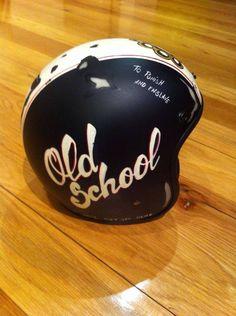 "Helmet                                                                                                                                                <button class=""Button Module borderless hasText vaseButton"" type=""button"">       <span class=""buttonText"">                          Mehr         </span>          </button>"