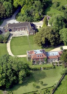 What Guy Ritchie got in the divorce from Madonna...their house.  England