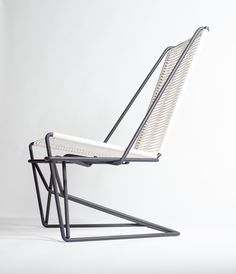 reference - CR45 - Cantilever Chair //