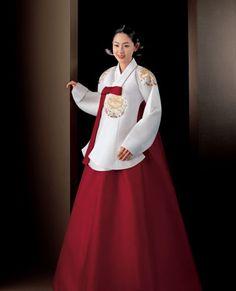 Hanbok Korean Beauty, Asian Beauty, Korean Hanbok, International Style, Traditional Dresses, Korean Girl, Korean Fashion, Girl Fashion, Facebook