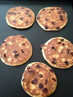 Coconut Flour Paleo Pancakes -- just drop your add-ins while the first side is cooking, chocolate chips, blue berries, pecans. Coconut Flour Pancakes, Coconut Flour Recipes, Paleo Pancakes, Paleo Bread, Blueberry Pancakes, Coconut Oil, Primal Recipes, Whole Food Recipes, Paleo Breakfast