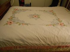 lovely-white-cotton-bedspread