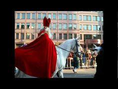 Horse cultures: on the of December Sinterklaas and his white horse Amerigo ride the rooftops of Holland to bring presents to children all over the country (of course not. but every Dutch child is made to believe it :-))! Santa Pictures, Father Christmas, Childhood Memories, Cool Kids, Holland, Horses, Country, Rooftops, Google