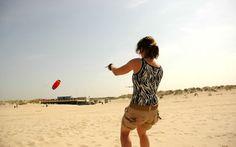 Powerkiten op het strand. Bloemendaal aan Zee. Let's go to the beach.