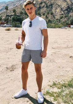 55 Best Summer Fashion Beach Outfit for Mens - Fashion and Lifestyle Stylish Summer Outfits, Casual Outfits, Men Casual, Outfit Strand, Style Masculin, Look Man, Men Looks, Short Outfits, Mens Clothing Styles