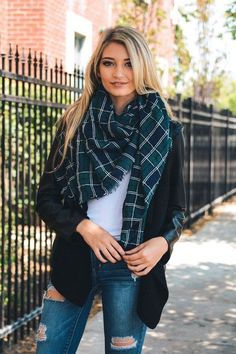 Sterling Tartan Scarf - Green + Navy – Daily Chic