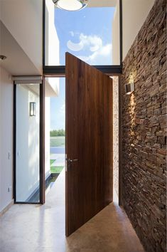 32 ideas for main entrance door modern interior design Main Entrance Door, Modern Entrance, Main Door, House Entrance, Loft Stil, Building A Porch, House Doors, House With Porch, Modern Interior Design