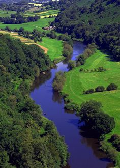 Symonds Yat is a village in the Forest of Dean and a popular tourist destination, straddling the River Wye (seen snaking silkily along above) within a few miles of the Welsh border. This is the view from Symonds Yat Rock Places Around The World, The Places Youll Go, Places To See, Around The Worlds, Forest Of Dean, England And Scotland, England Uk, Seen, English Countryside