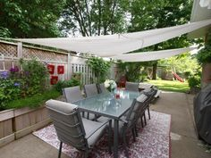 Backyard oasis, large patio, 8 seater table, 2 sun sails (Ikea), lots of shade and relaxation