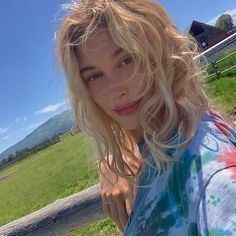 Estilo Hailey Baldwin, Haley Baldwin, Hailey Baldwin Style, Streetwear, Justin Hailey, Poses, Trends, Hair Inspo, Justin Bieber