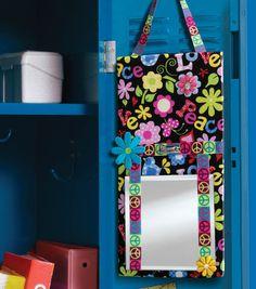This #DIY locker bulletin board is PERFECT for #backtoschool
