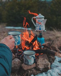 Camping Life, Camping Meals, Camping Sauvage, Road Trip, Granola Girl, Camping Aesthetic, Forest Bathing, Coffee Love, Happy Campers