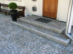 Precious Tips for Outdoor Gardens - Modern Small Patio Design, Garden Design, House Design, Nursery Canvas Art, Paver Designs, Fire Pit Grill, Stone Driveway, Garden Paving, Door Steps