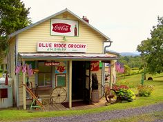 Blue Ridge Grocery - On U.S. Route 522 between Front Royal and Flint Hill, Virginia USA - September 6, 2009Credit: lewsviews (Lewis Cressell) on Flickr