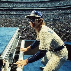 Elton John @ His Sold Out Dodgers Stadium Concert Wearing Rhinestone Encrusted Dodgers Uniform Designed by Bob Mackie Music Icon, My Music, Elton John Costume, Pop Punk, Captain Fantastic, Dodger Stadium, We Will Rock You, Bob Mackie, Rock N Roll