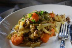 Kaalipata on mitä mainiointa syksyruokaa. Siirapilla maustettu kaalipata on hyvää, edullista ja mutkatonta kotiruokaa. Pork, Food And Drink, Beef, Chicken, Cooking, Ethnic Recipes, Easy Dinners, Pork Roulade, Meat