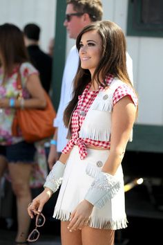 kacey musgraves @blownxawayx94 Concert Style, Concert Fashion, Country Music Concerts, Country Singers, Kacey Musgraves Tour, The Most Beautiful Girl, Beautiful Women, Cowgirl Costume, The Girl Who