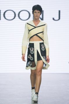 J Moon - Spring/Summer 2016 Ready-To-Wear - LFW (Vogue.co.uk)