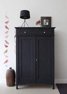 Vintage Antique Cabinet Vertiko Black Painted Decorating Set Up Living Room - - Diy fotowand - Painted Furniture, Home Furniture, Black Furniture, Family Furniture, Vintage Furniture, Painted Armoire, French Furniture, Luxury Furniture, Office Furniture