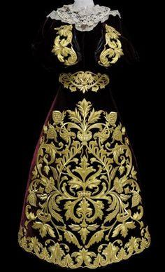 Nueva saya de la Virgen de los Dolores Gold Embroidery, Vintage Embroidery, Embroidery Patterns, Gold Work, Gold Dress, European Fashion, Pattern Fashion, Clothing Patterns, Designer Collection