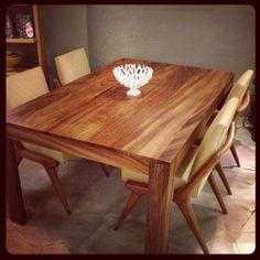 Parota dining table wirh vintage chairs