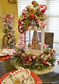 We have collected a few unique and stunning christmas lanterns decoration ideas that will certainly add warmth and holiday cheer  Christmas Kitchen, Rustic Christmas, Simple Christmas, Beautiful Christmas, Christmas Wreaths, Diy Christmas, Christmas Lanterns Diy, Advent Wreaths, Italian Christmas