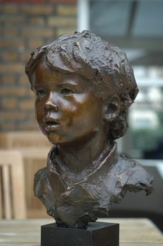 One of the finest portrait sculptors in the world, Mark Richards creates exquisite portraits of children. His work has been compared to century French masters Houdon, Pajou and Carpeaux. Armature Sculpture, Portrait Sculpture, Sculpture Head, Sculptures Céramiques, Statues, Carpeaux, Sculpture Techniques, Lion Love, Concrete Art