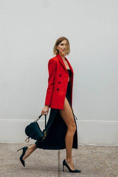 If the streets of Paris have a reputation for regularly supplying the chicest kind of outfit inspiration, during Fashion Week in the City of Light, you can Street Style Outfits, Look Street Style, Spring Street Style, Street Style Women, Fashion Week, Fashion Outfits, Womens Fashion, Fashion Trends, Fashion Fashion