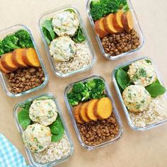 """A successful week starts with planning aaaaand prepping!!  Guess who's planning to stay on track this week?!  This girl!!!  Bowl  1/2c spiced lentils (1sp) 1/2c steamed broccoli (0sp) and 3oz baked sweet potatoes (3sp) Bowl  2 turkey """"muffins"""" (2sp) 1c fresh baby spinach and 1/2c brown rice (3sp) ______________________________________________  Meal Prep Credit: @hadadomestic  #mealpreponfleek #mealprep #mealpreps #mealprepping #mealprepideas ##simplemealprep #mealprepmonday #mealprepsunday…"""