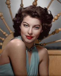 Colorized photo Ava Gardner from Black & White Photo Hooray For Hollywood, Hollywood Icons, Old Hollywood Glamour, Hollywood Actor, Vintage Hollywood, Hollywood Stars, Hollywood Actresses, Classic Hollywood, Vintage Movie Stars