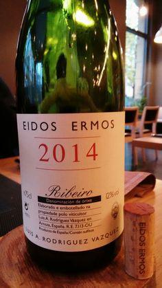 Eidos Ermos 2014 - DO Ribeiro - Bodegas Luís Anxo Rodríguez Vázquez (Arnoia, Orense)  - Vino tinto joven. El Vino fermenta en acero y parte madura en barrica de roble - Caiño longo, Caiño redondo, Ferrol y Brancellao - 12%