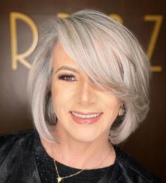 Current Silver Bob for Thin Hair Grey Bob Hairstyles, Over 60 Hairstyles, Everyday Hairstyles, Straight Hairstyles, Cool Hairstyles, Hairstyle Ideas, Modern Hairstyles, Hairdos, Thin Hair Cuts