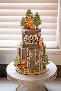 Cakes by Rachel Chadwick Boyce Gateau Baby Shower, Baby Shower Deco, Baby Shower Fall, Baby Shower Cakes, Baby Boy Shower, Woodland Theme Cake, Baby Shower Garcon, Forest Baby Showers, Baby Birthday Cakes
