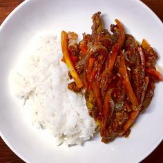 Low Syn Crispy Chilli Beef | Slimming World - Pinch Of Nom Slimming World Chilli Beef, Slimming World Dinners, Slimming World Recipes, Healthy Dinners, Healthy Food, Healthy Recipes, Tea Ideas, Food Ideas, Ham Recipes