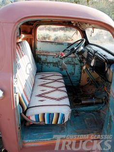 Car Interior Decor, Truck Interior, Old Pickup Trucks, Chevy Trucks, Classic Trucks Magazine, Hippie Car, Cute Car Accessories, Deco Boheme, Cute Cars