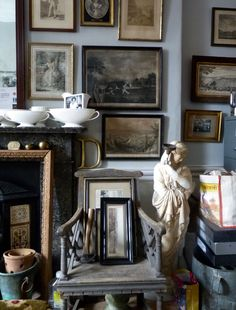 Check my source guided country style home decor southern living Decorating Your Home, Interior Decorating, Interior Design, English Country Decor, Country Décor, Shabby, Art Deco, English House, Country Style Homes