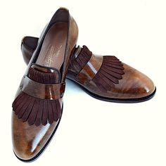 that's a stylish loafers! Hot Shoes, Men's Shoes, Shoe Boots, Dress Shoes, Formal Shoes, Casual Shoes, Brogues, Loafers, Leather Shoe Laces