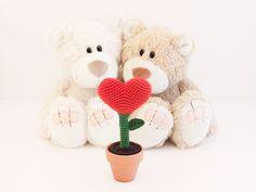 Amigurumi Heart Plant - FREE Crochet Pattern / Tutorial