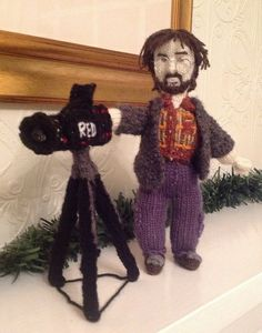 A knitted Peter #Jackson with his digital RED camera -  #TheHobbit