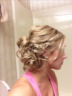 Bridesmaid hair for any one who might chop everything off a week before the wedding... ::clears throat:: Nicole!!
